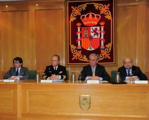 De izquierda a derecha, Juan Antonio Bartrina (TEDAE), Ignacio Horcada Rubio (Cuerpo General de la Armada), Juan José Guibelalde (moderador de la mesa) y  José Ángel López Jorrín (Marca España)