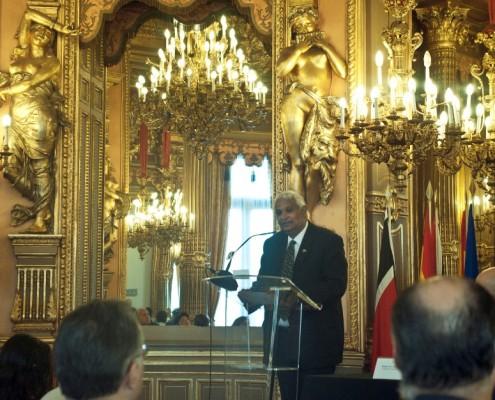 El ministro Dookeran, durante su intervención