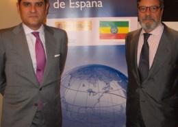 El embajador de España en Etiopía, Miguel Fernández-Palacios, junto a Antonio Bonet