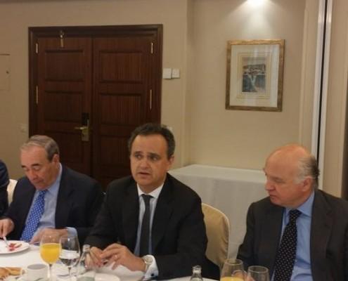El embajador de Portugal en España, Francisco Ribeiro de Menezes, durante su intervención