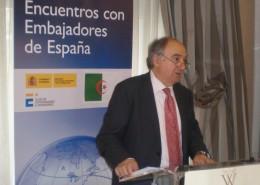 El embajador de España en Argelia, Gabriel Busquets, mantuvo un encuentro de trabajo con los socios del Club de Exportadores e Inversores