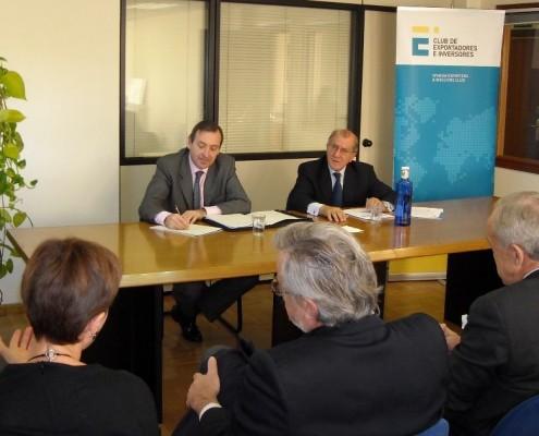 El embajador tomó nota de los proyectos y los intereses de las empresas respecto al mercado mexicano