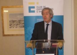 Manuel Valencia, que acaba de ser nombrado embajador de España en China, mantuvo un desayuno de trabajo con los socios del Club de Exportadores