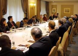 Al final de la reunión, la ministra atendió a las preguntas y los comentarios de los asistentes