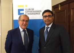 El presidente del Club, junto al embajador Misri