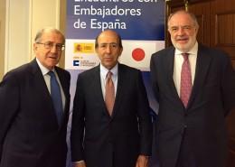 Balbino Prieto, junto al embajador De Benito y Javier Sangro